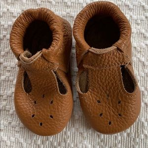 Italian leather T-strap baby moccasins